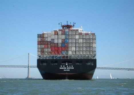 boat_shipping_containers
